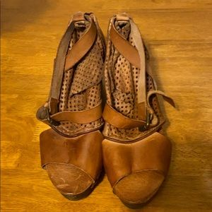 Free people clogs